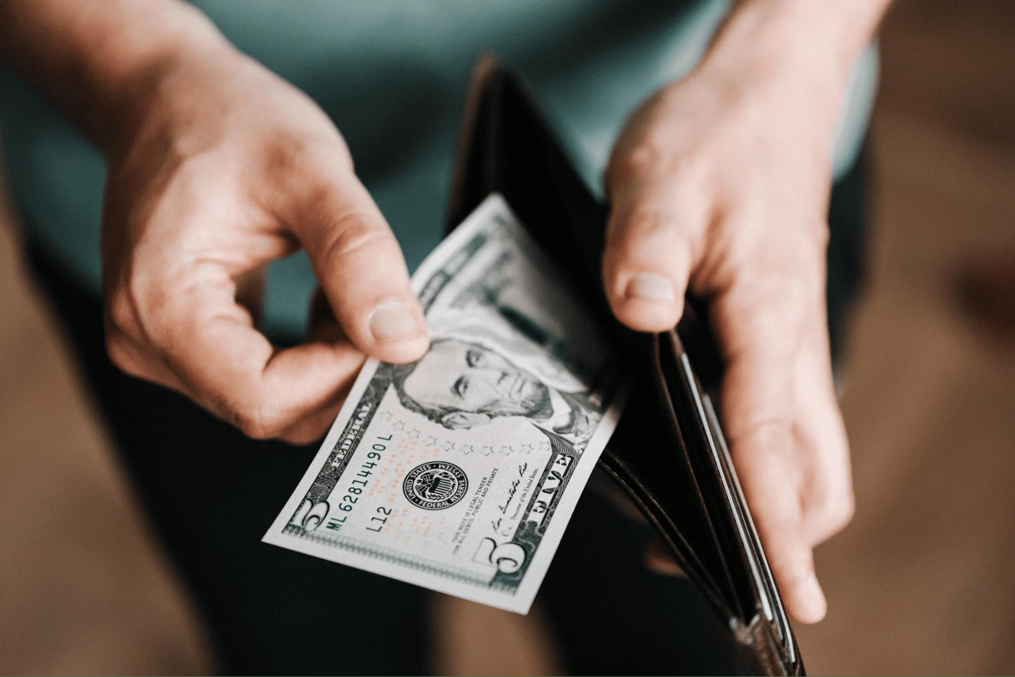 Putting seasonal job income in wallet