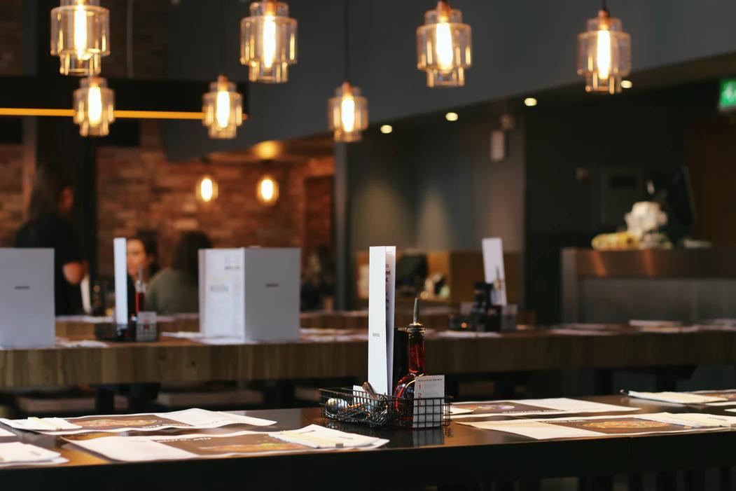 Decorative light fixtures in a restaurant