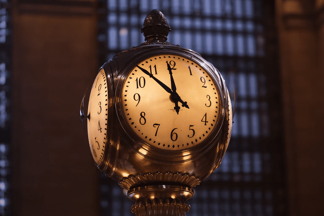 Clock for managing volunteers