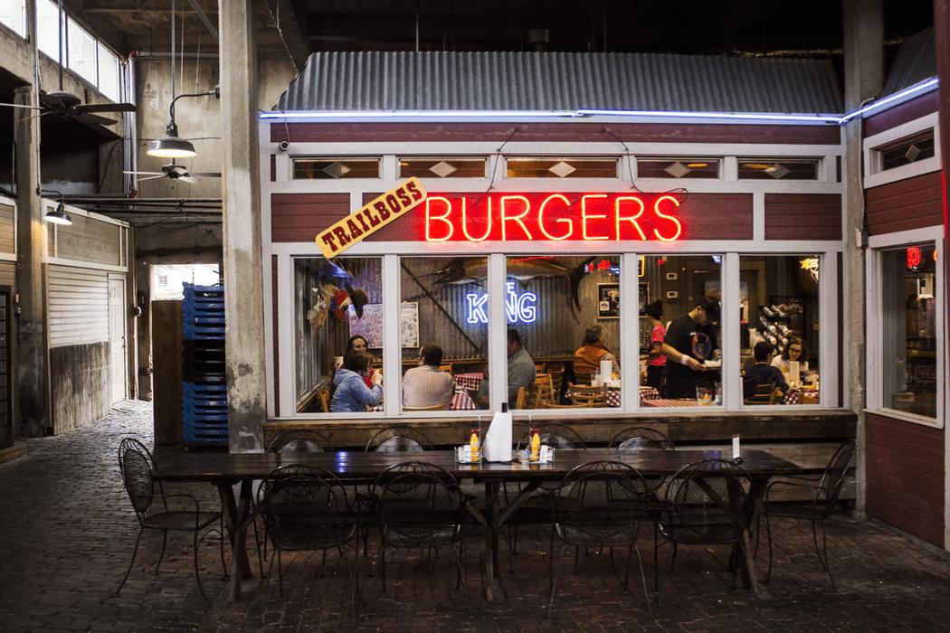 Restaurant that uses shift work