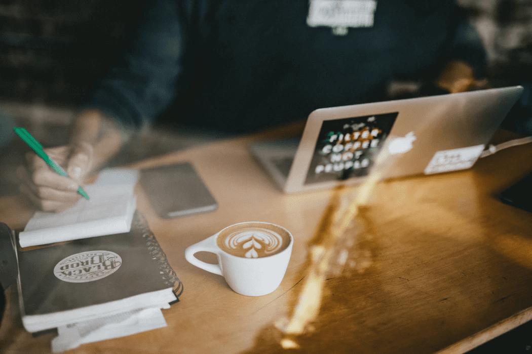 Employee working in a coffee shop