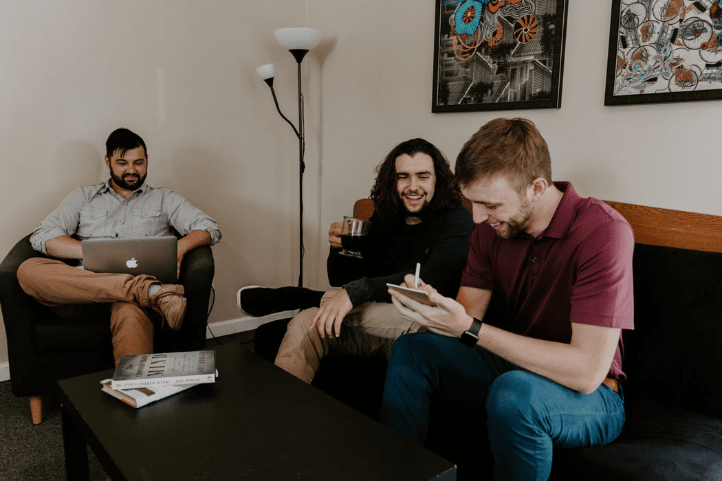 Entrepreneurs discussing employee satisfaction