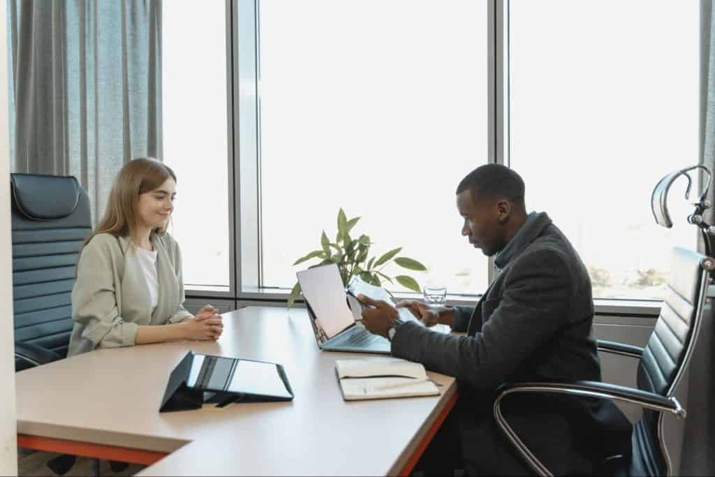 Interviewer giving interview feedback